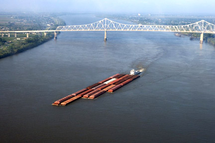 Accidents in New Orleans, LA can have many causes - whether a car accident, medical malpractice case, or an accident related to maritime commerce on the Mississippi River or the Gulf. For exapmle, boats, tugs, and other vessels on the Mississippi, like the one here, can be invovled in collisions where injuries and property damage result. Call a New Orleans personal injury lawyer today to represent you in your claims.